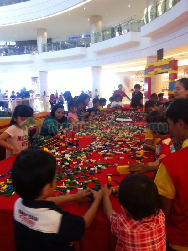 Donasi Berkat Rangkaian LEGO