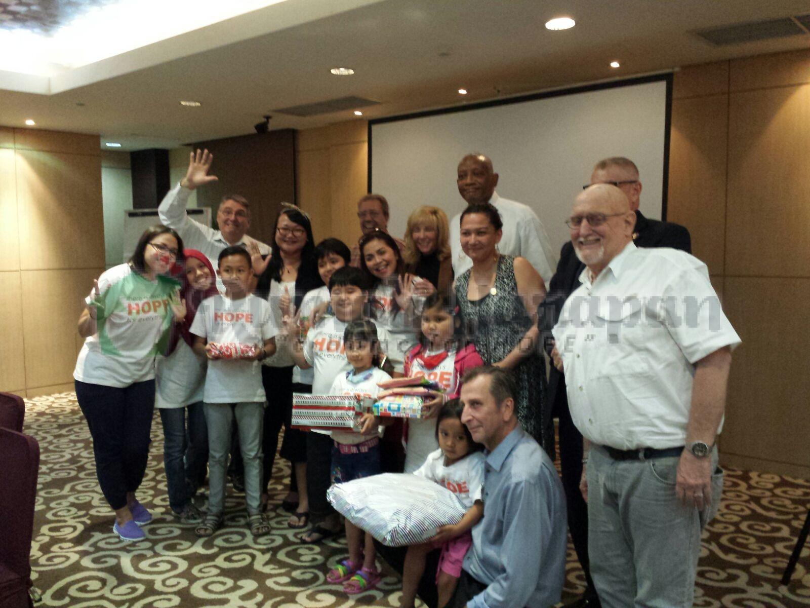 Kado Natal dari Rotary Club Jakarta Cilandak